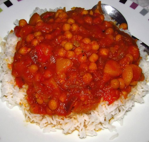 Pepper, peach, and chickpea curry